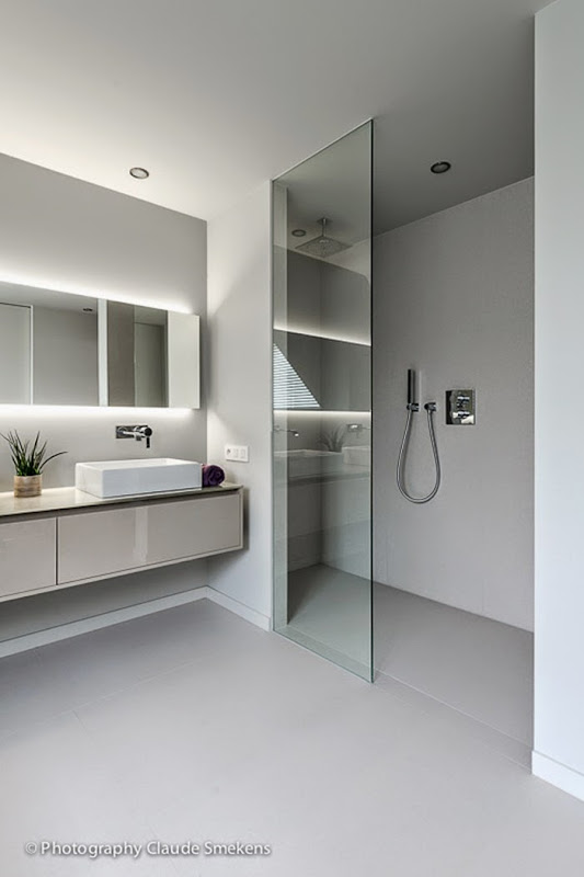 Belgian pearls contemporary design by lef vre interiors for Bathroom and dressing room ideas