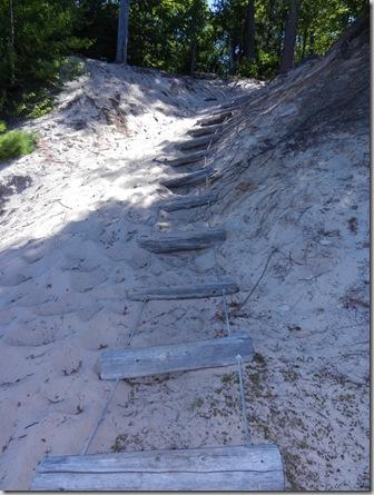 mun_pr_hike_dune_ladder