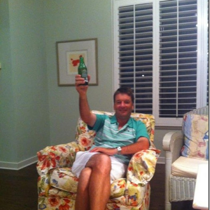 JP Relaxes With A Beer. Now That's What A Real Front Runner Looks Like!