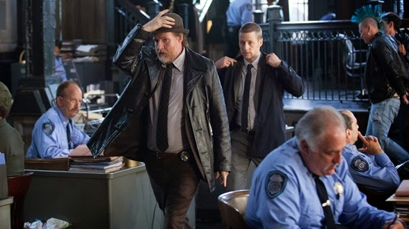 "GOTHAM: Detectives Harvey Bullock (Donal Logue, L) and James Gordon (Ben McKenzie, R) leave the GCPD princint in the ""The Balloonman"" episode of GOTHAM airing Monday, Oct. 6 (8:00-9:00 PM ET/PT) on FOX. ©2014 Fox Broadcasting Co. Cr: Jessica Miglio/FOX"