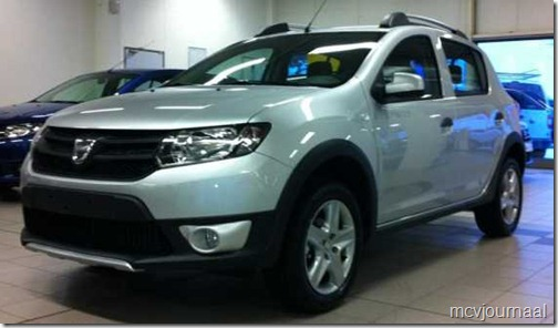 Dacia Sandero Stepway 2013 in de showroom 01
