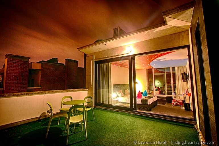 Pantone Hotel Zimmer mit Dachterrasse Belgien