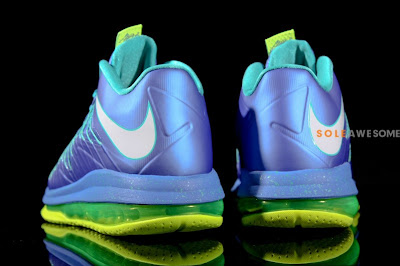 nike lebron 10 low gr blue green 1 11 First Look at Nike Air Max LeBron X Low Summit Lake Hornets