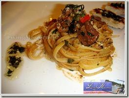 Kaldereta Pesto with Garlic Pesto Pandesal