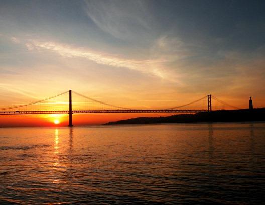 13 . lisboa - ponte 25 de abril