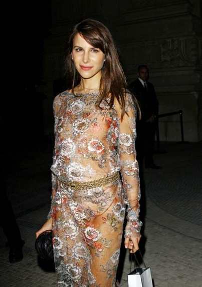 Caroline Sieber Chanel Haute Couture show KUI25dCPxC1l