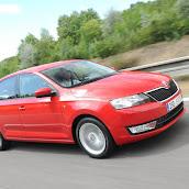 2013-Skoda-Rapid-Sedan-Red-Color-4.jpg