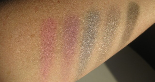 mac-antonio-violet-eye-shadow-swatches