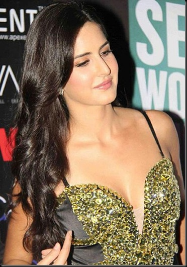 Katrina-Kaif-Latest-Stills-in-Rocking-Dress