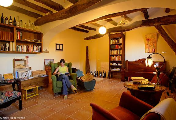 Perxe, residència-casa de pagès i Centre Quim Soler, centre de documentació i activitats entorn de la literatura i el viEl Molar, Priorat, Tarragona