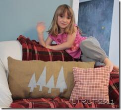 Felt Tree & Burlap Pillow 4