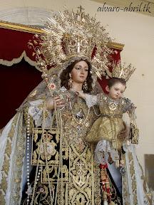 procesion-carmen-coronada-de-malaga-2012-alvaro-abril-maritima-terretres-y-besapie-(99).jpg