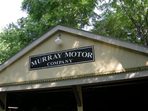 Murray Motor Company sign.