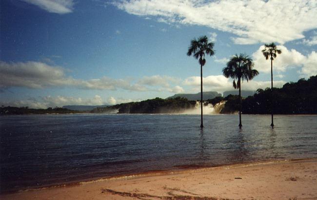 Laguna de Canaima Venezuela