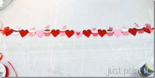 Heart-Stickers-Garland-3
