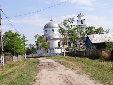 29. Biserica din Letea.JPG