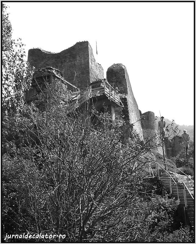 Cetatea Poenari.jpg