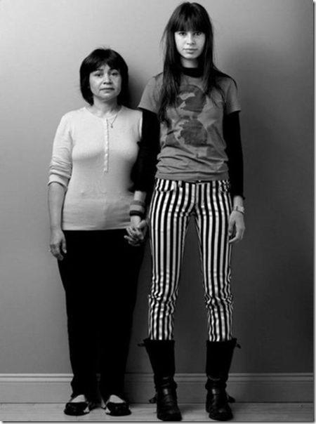 models-pose-moms-5