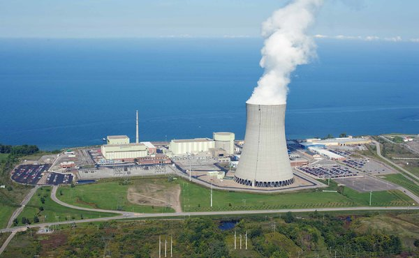 Officials have recommended that nuclear plants like Nine Mile Point in New York install new safety equipment, but the nuclear indiustry and its representatives in Congress are resisting. Photo: The New York Times