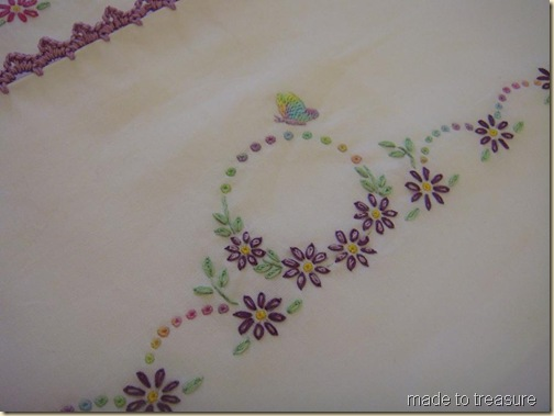 eyelet embroidery stitch