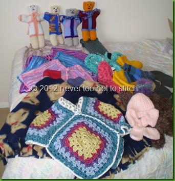 2012 AIM ponchos bears slippers socks baby-set