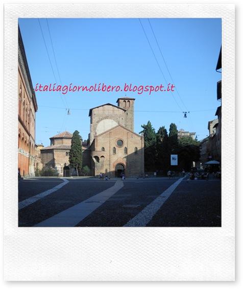 IGL Bologna centro, piazza Santo Stefano