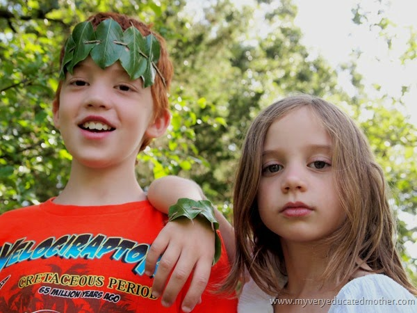 #campcraft #naturecraft Leaf Jewelry  #kidsactivity #kidscraft