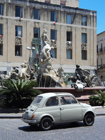 Imagini Sicilia: Siracusa - Piata Arhimede