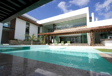 fachada-casa-los-troncos-punto-arquitectonico