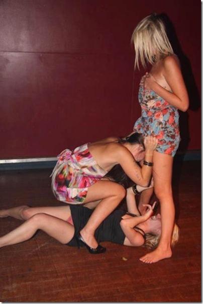 drunk-women-party-27