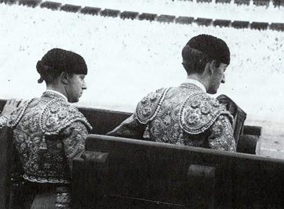 1942 Zaragoza Pepe Luis y Manolete en el callejon 001