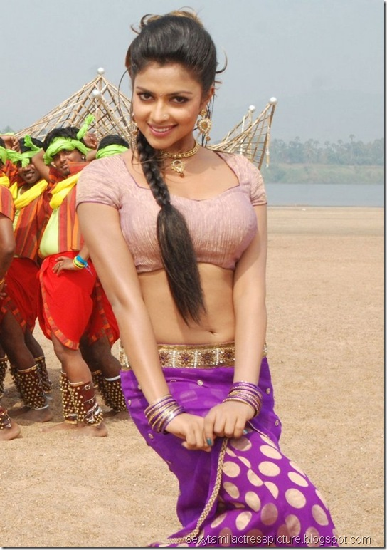 sexy-amala-paul-hot-navel-pic-vettai