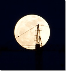 sombra-en-la-luna