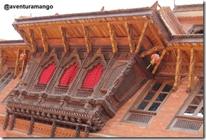 Detalhes em madeira nas fachadas
