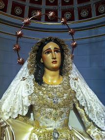 maria-santisima-del-sacromonte-pascua-y-mayo-y-besamanos-2013-alvaro-abril-(9).jpg
