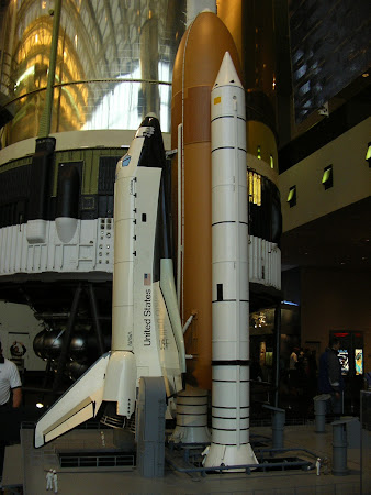 Things to do in Washington: see the Space shuttle