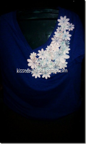 Flower V-neck in Kansas City Royals Blue