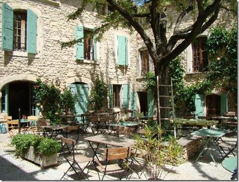 terrasse-du-petit-cafe[1]