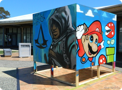 EB Expo - Street Art -  Mario