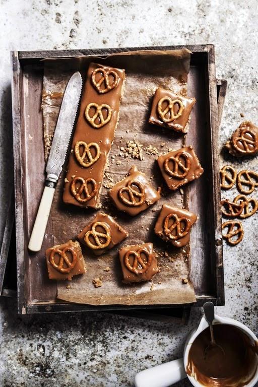 pretzel-peanut-caramel-bars