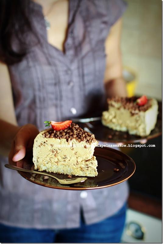 ciasto jak lody Daim, mrożnone ciasto z lodami Daim (4)