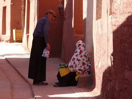 14. Costume taranesti Iran.JPG
