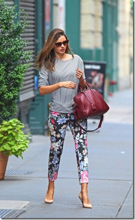Miranda Kerr Miranda Kerr Leaves NYC Apartment XCY6Bd6G8_ml