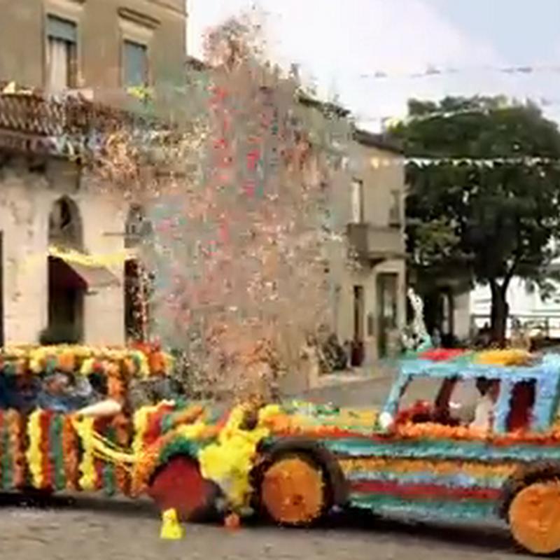 Los choque de autos piñata