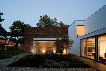 arquitectura-construccion-Casa-del-Lago-Arquitecto-Frederico-Valsassina_thumb[2]