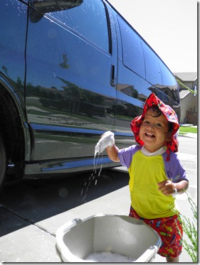 summer gio washing car v2