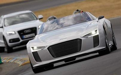 2012-Audi-e-tron-Spyder-Concept