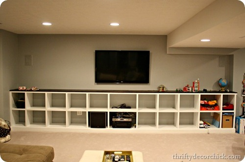 Thats Seventeen Feet Of Built Ins Waiting To Take On A Pile Toys Seriously Bliss