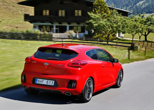 Yeni-Kia-Pro-Ceed-GT-2014-39.jpg