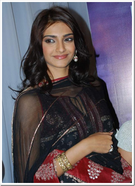 sonam kapoor wallpapers 2012